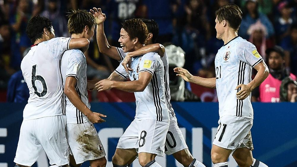 China hold Iran, Korea slip up