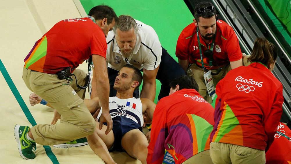 French gymnast snaps leg while vaulting at Rio Olympics