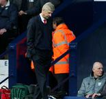 Wenger claims top-four failure will not affect Arsenal decision