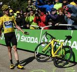 Chris Froome Retains Yellow Jersey as Crash Prompts Review
