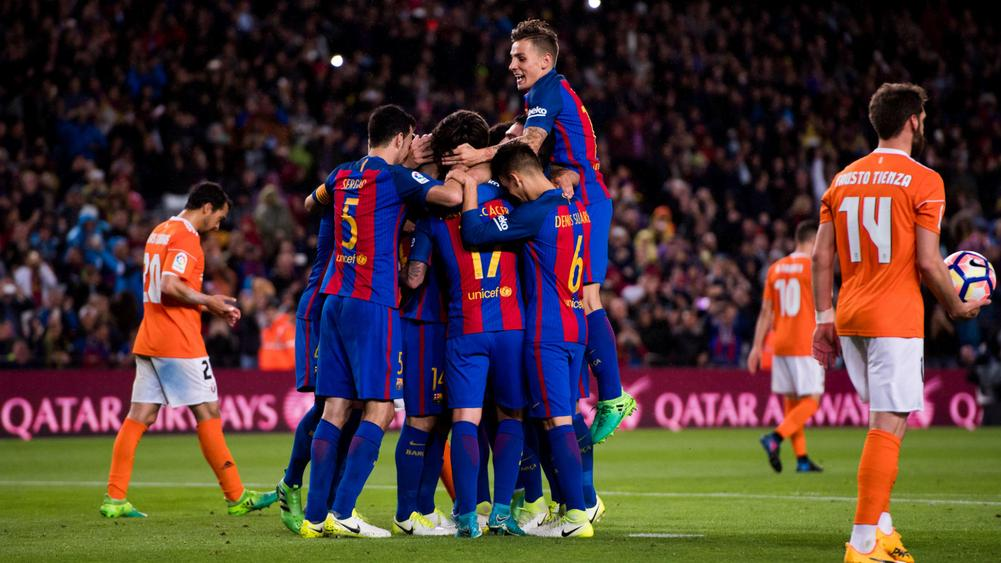 Messi strikes twice again as Barcelona routs Osasuna 7-1