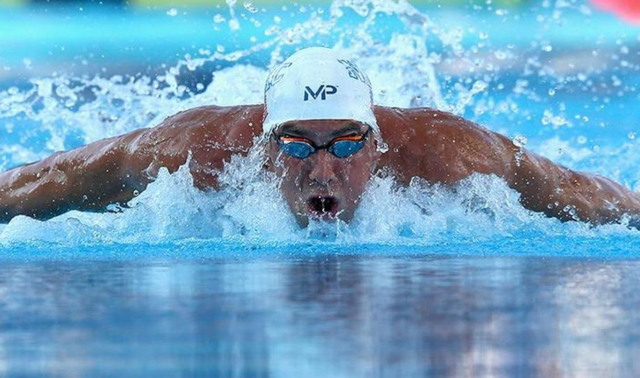 Michael Phelps Swims 2015 World Best in 100m Butterfly