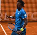 Monfils cruises into last eight in Buenos Aires as seeds fall