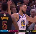 NBA : Encore un panier dingue de Curry !
