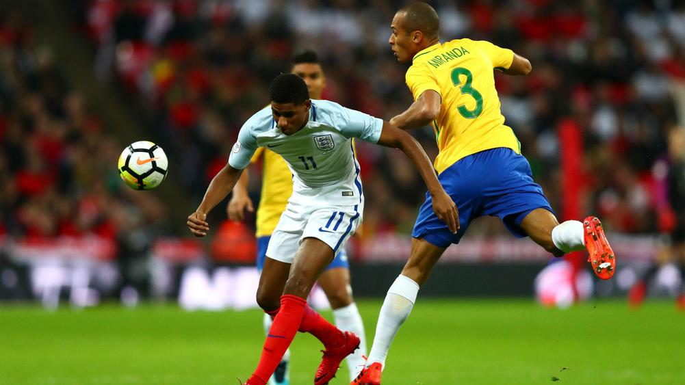 Neymar looks to learn from Brazil's difficulties vs England
