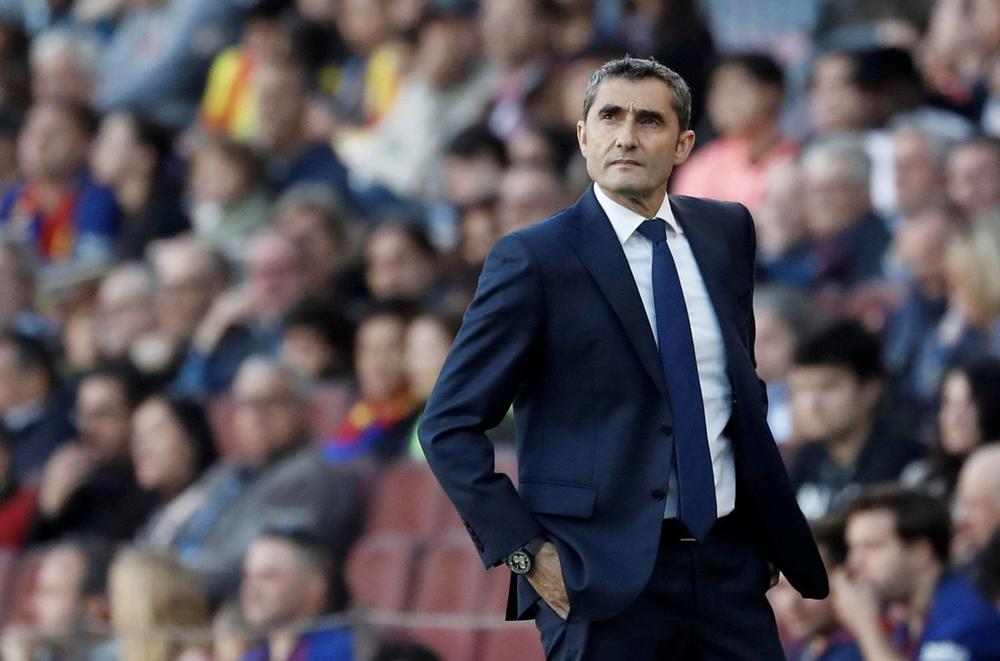 Soccer Football - La Liga Santander - FC Barcelona v Getafe - Camp Nou, Barcelona, Spain - May 12, 2019 Barcelona coach Ernesto Valverde looks on during the match REUTERS/Susana Vera | beIN SPORTS