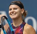 Safarova cruises through in Quebec City