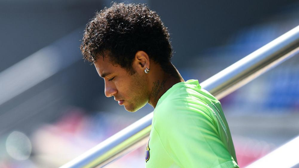 Alves urges 'friend' Neymar to show courage