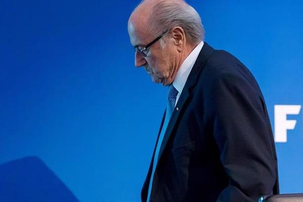 'I have done nothing illegal' - Blatter refuses to step down as FIFA chief
