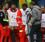 Juventus Confirm Broken Leg for Dani Alves