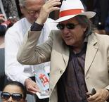 le capitaine roumain Ilie Nastase exclu!