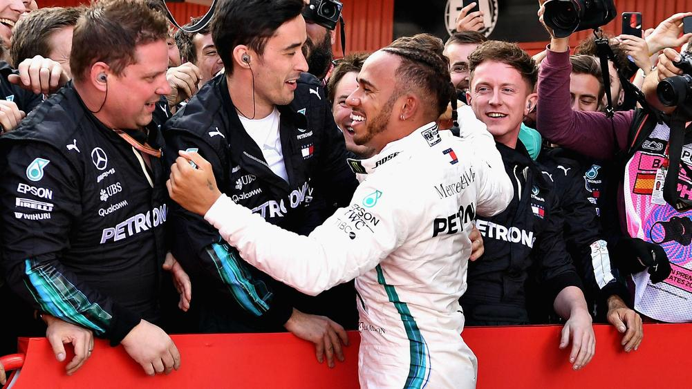 Lewis Hamilton wins the 2018 Spanish GP