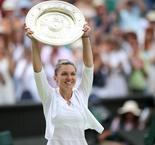 Halep Clinches maiden Wimbledon crown with straight sets win over Serena Williams