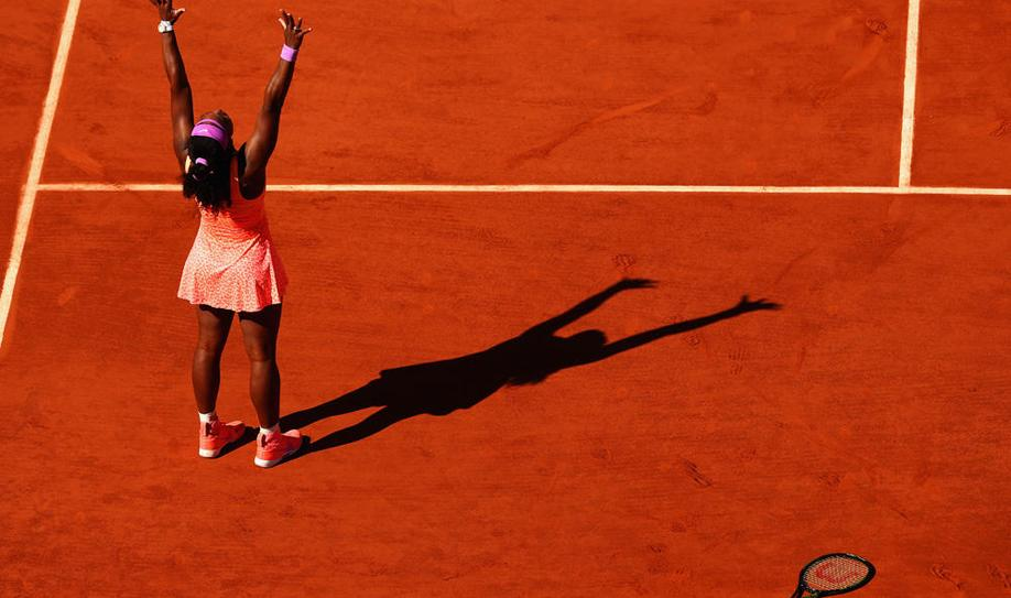 Williams claims French Open title