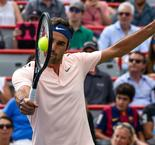 Sweet 16 for Federer at Rogers Cup