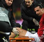 Zlatan Ibrahimovic Hobbles Off With Injury During Europa League Tie