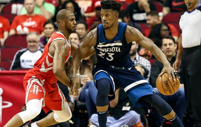 Jimmy Butler Suffers Knee Injury