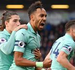 Arsenal extends unbeaten run to 17 matches