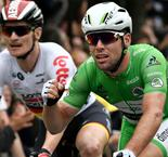 Mark Cavendish Edges out Andre Greipel to Claim Stage Three