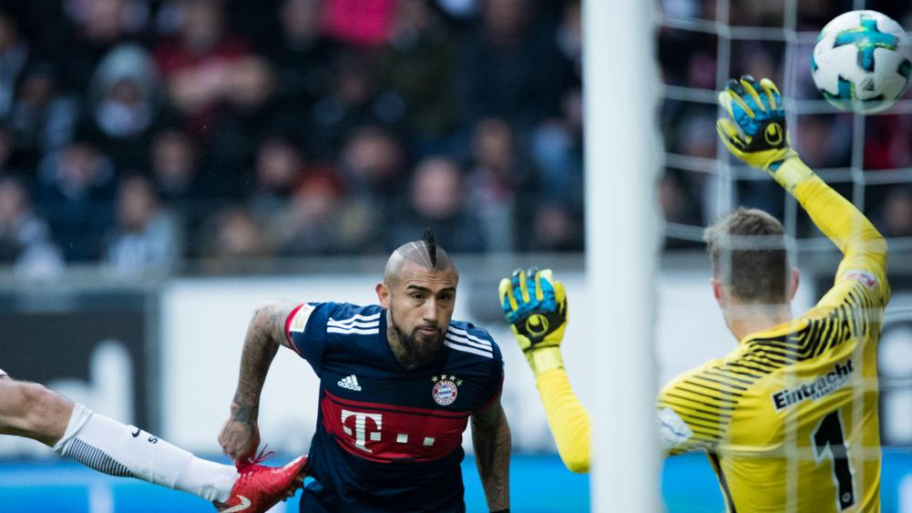 Lacklustre Bayern Munich beat Eintracht Frankfurt to stretch lead