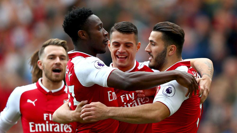 Welbeck welcomes Arsenal competition with Alexis still at the Emirates