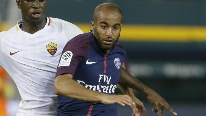 Moura quits PSG