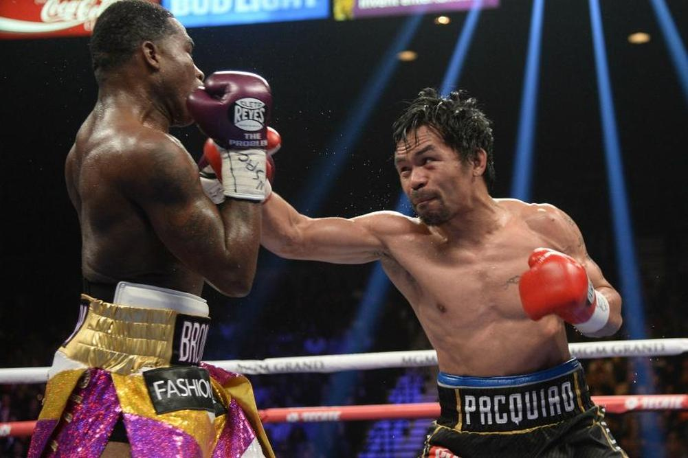 Pacquiao dompte Broner et réclame Mayweather