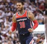NBA : Mike Scott pour le dunk de la nuit !
