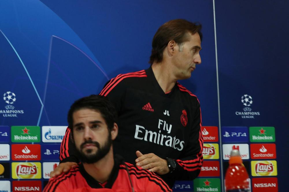 Real Madrid coach Julen Lopetegui and Isco during the press conference