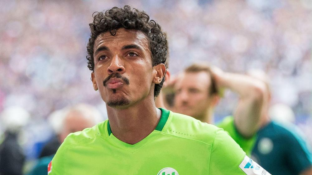 Luiz Gustavo joins Marseille from Bundesliga side Wolfsburg for £9m