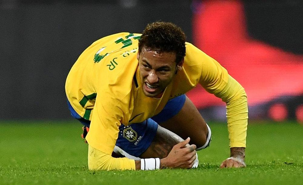 PSG confirm Neymar to undergo surgery on injured ankle in Brazil