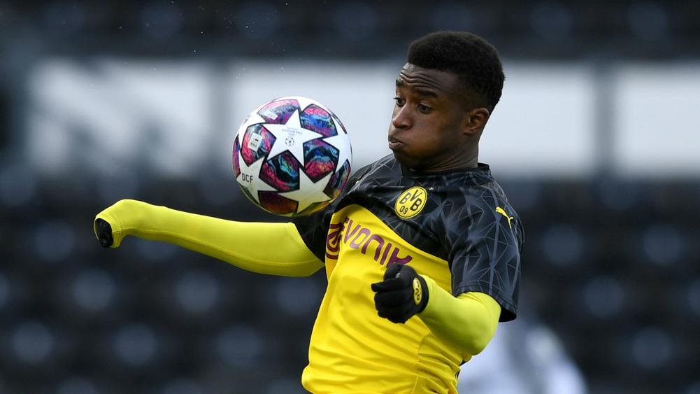Dortmund S 15 Year Old Prodigy Moukoko Wanted In First Team By Favre