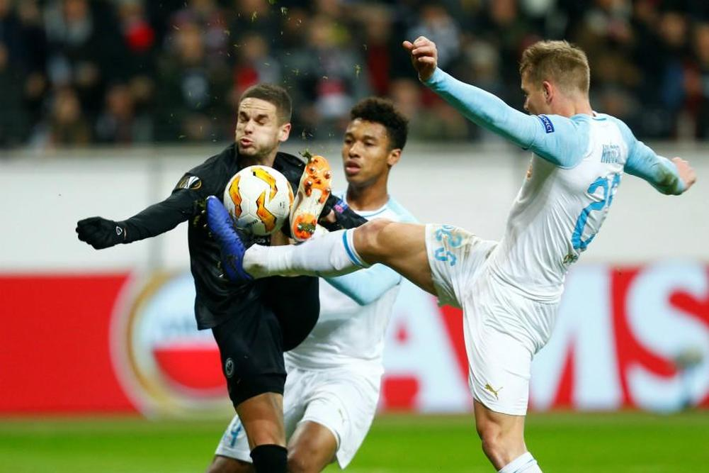 Francfort-OM : le but gag de Luis Gustavo contre son camp