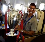 Firmino gets inked after Liverpool's UCL triumph