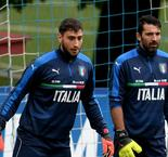 Buffon hails 'extraordinary' Donnarumma