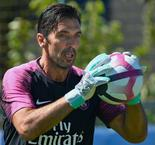 Buffon beaten on difficult PSG debut