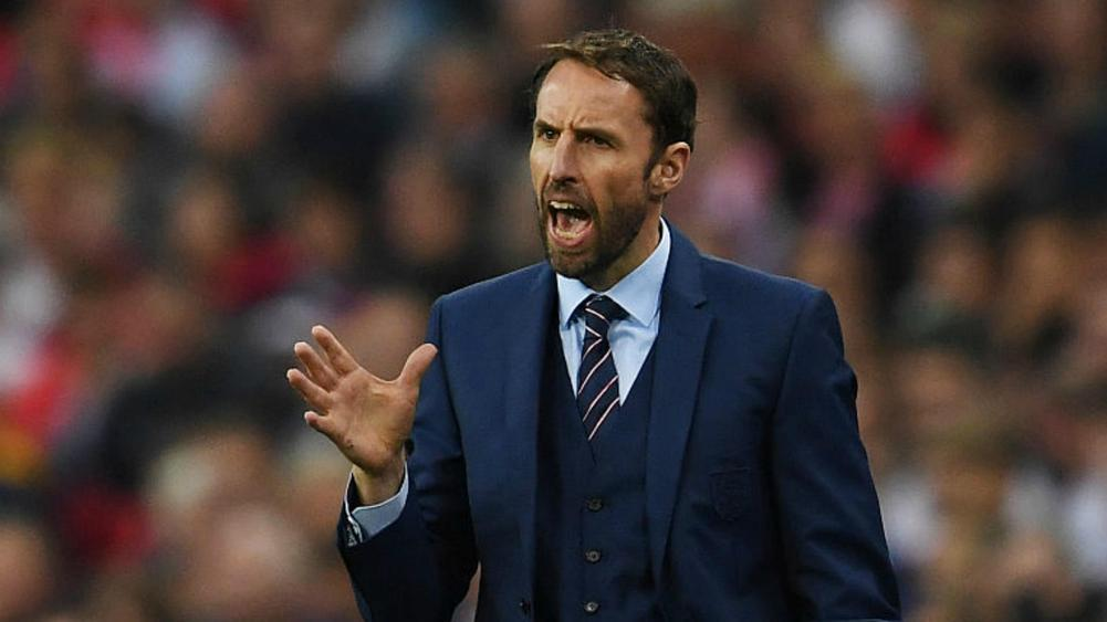 Rooney backed by Southgate after being booed