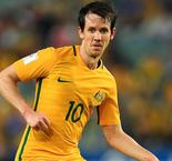 Robbie Kruse signs for Melbourne Victory