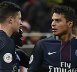 Silva and Cavani keep PSG in touch