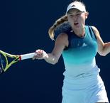 Wozniacki cruises, Keys survives in Charleston