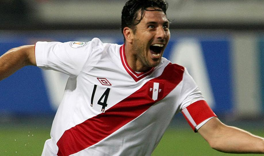 Claudio Pizarro (Captain)