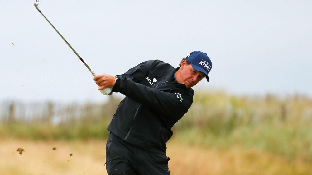 British Open updates: Phil Mickelson leads by 1 after second-round 69