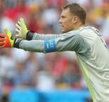 Low Confirms Under-Fire Neuer Will Start Against France