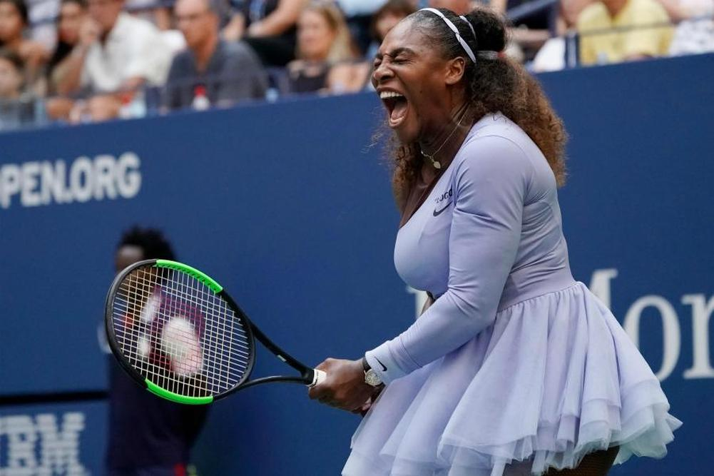 Serena Williams avance encore