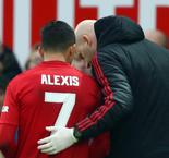 Solskjaer confident over Sanchez fitness