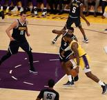LeBron James a joué son premier match au Staples Center