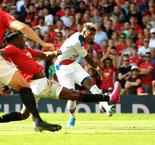 Van Aanholt Sinks Manchester United In Stoppage Time