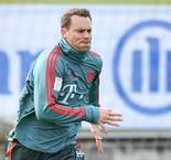 Bayern captain Neuer fit for Augsburg, Liverpool games