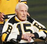 Hockey Hall of Famer Milt Schmidt dies aged 98
