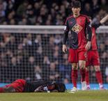 Swansea's Bafetimbi Gomis Collapses During Tottenham game